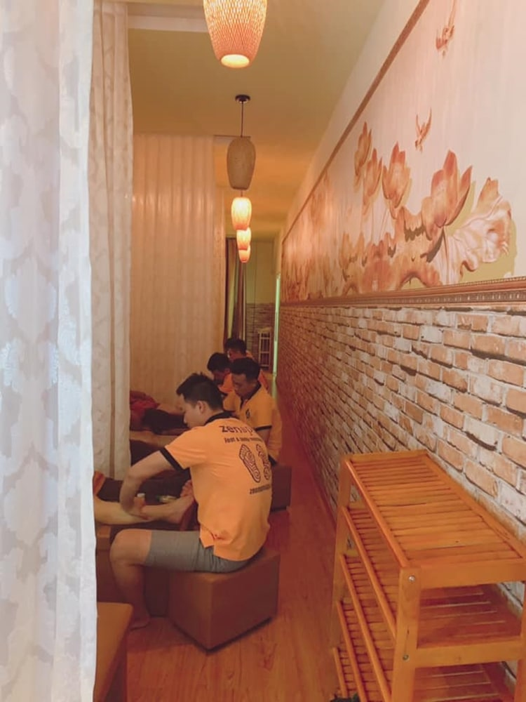 Zen Spa Foot and Body Massage 1