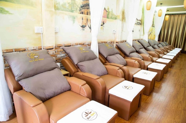 Zen Spa Foot and Body Massage 5